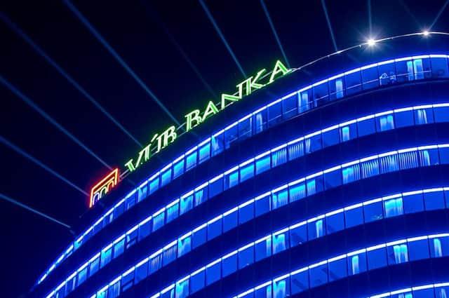 VÚB banka zvyšuje úrokovú sadzbu na hypotékach