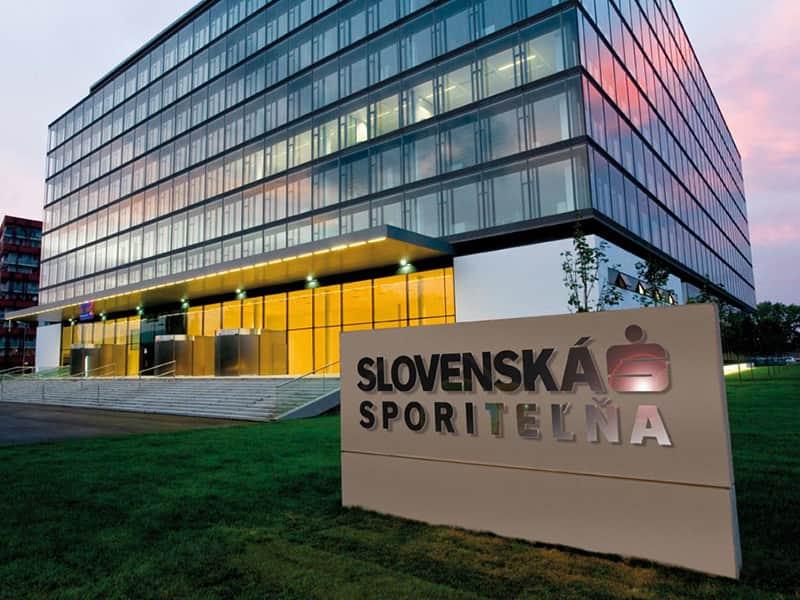Slovenská sporiteľňa dosiahla v prvom polroku čistý zisk 134,6 mil. eur.